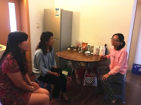 王丽萍副局长走访慰问康平小学困难教师郑东新区教育