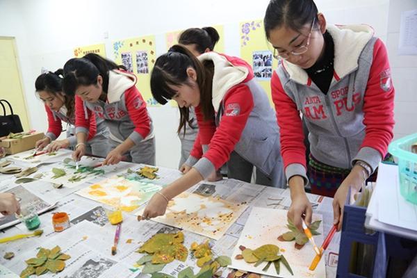 美术特色教研----牙刷喷画郑东新区教育信息网